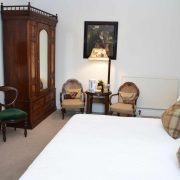 The Townhouse - Traditional Rooms 3